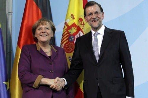 Merkel backs Spain's opposition to independent Catalunya
