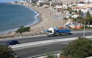 Lorry overturns on 'accident blackspot' in La Cala