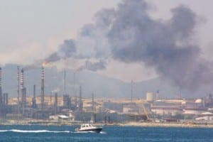 air pollution refinery