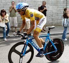 Vuelta a Espana update: Contador takes lead as favourite Quintana crashes