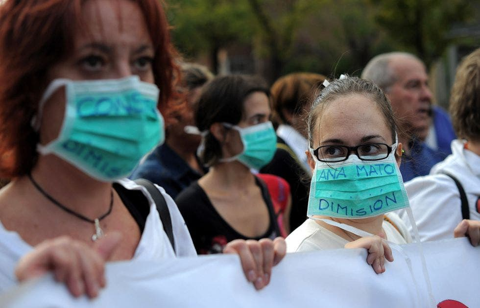 UPDATE: Spanish staff protest and resign as 'fear' of Ebola takes hold
