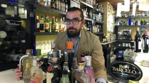 Palencia gin bar is going for Guinness World Record