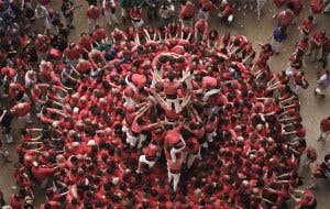 human-towers-catalonia-david-oliete-8