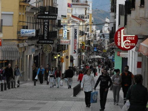 Jobs threatened as Spanish independent retailers face 1,000% rent hike