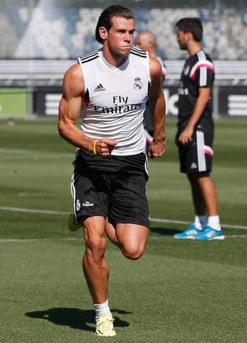 Gareth Bale attributes his bulging biceps to his golf swing