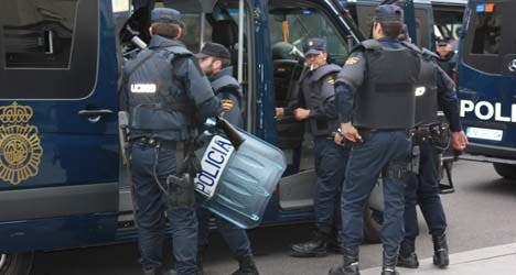 Expired safety gear puts Spain's police officers at risk