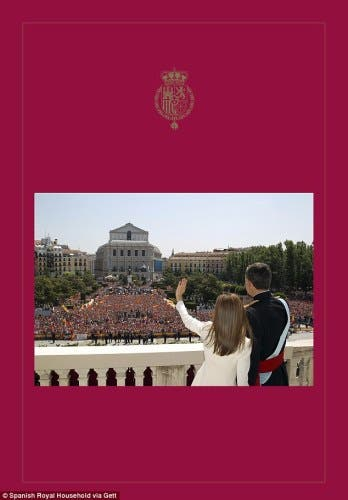 Spanish royal family release Christmas card