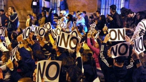 Hepatitis C protesters in Madrid demand new drug