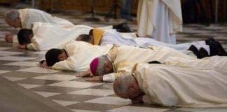 Spain priests e