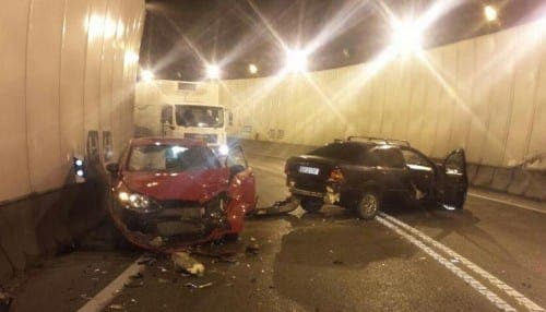 Car crash in Algeciras tunnel leaves two people in hospital