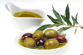 Maggots and summer heat drive rocketing olive oil prices