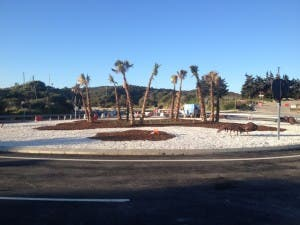 The roundabout is situated on the busy A7 between Estepona and Sabinillas