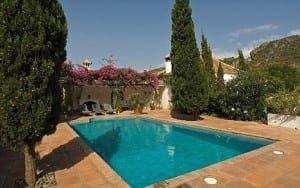 Kilroy's bling villa for rent