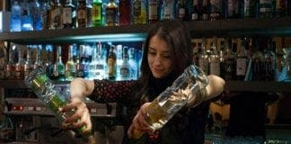 barmaid e