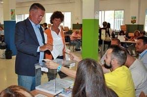 VOTING: Angel Nozal, mayor of Mijas, and his wife vote earlier today