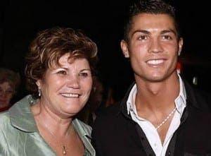 ronaldo and mum2