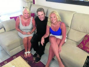 INVESTIGATING: Donal MacIntyre with Ashley and Debbie Rose