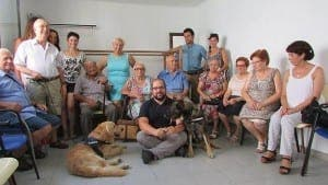 Nerja residents with therapy dogs