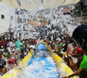 SLIDE AWAY: Feria fun