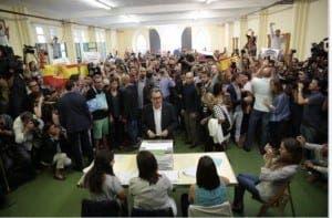Catalunya president Artur Mas casts vote in regional election