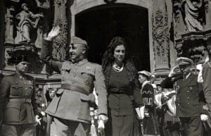 Franco-and-wife-Maria-del-Carmen-Polo