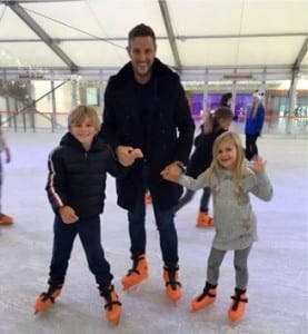 Elliott gets his skates on