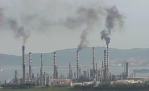 ALGECIRAS: Pollution concerns over Iran refinery