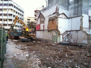 demolition plaza flores 2