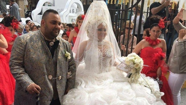 Wedding In Spanish.Gypsy Couple Have 100 000 Wedding Of The Century In One Of