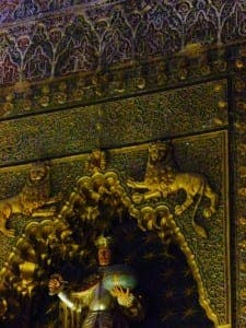 MEZQUITA: A clash between Christian and Islamic art