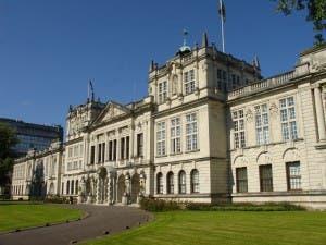 Cardiff_University_main_building (1)