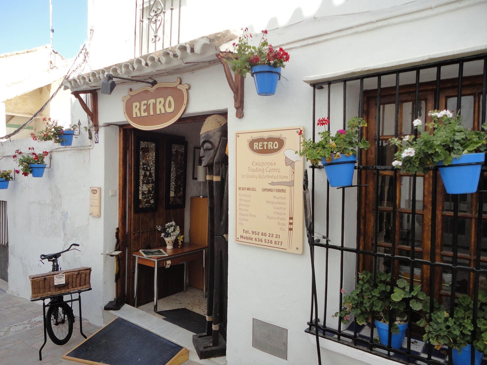 Expat Business Success At Vintage Shop Retro In Estepona Olive
