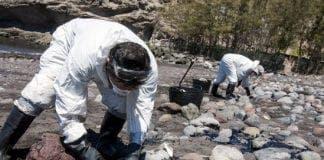 Black flag oil spill Gran Canaria e
