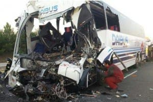 bus crash crash (1)