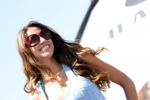 Oakley_sunglasses_model_in_blue
