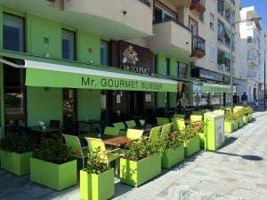 Mr Gourmet Burger on the boulevard
