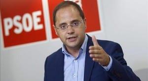 Cesar Luena