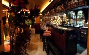 SAN PEDRO: Pub Charles