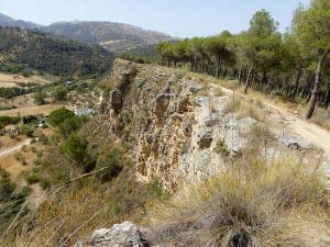 RONDA: Cliffside path