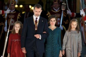 Queen Letizia with King Felipe VI and her daughters