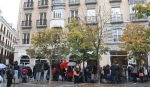 Media outside the Madrid hotel where Rita Barbera was staying