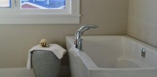 bathtub e