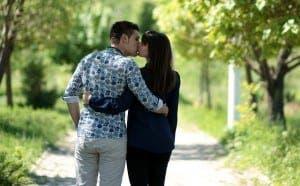 couple-1363960_640