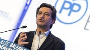 COMPANY MAN: PP backs Balearic president