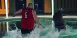 Tyson Fury splash e