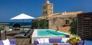 Bitcoin Ibiza palacio bardaji pool