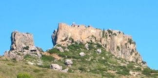 Castell del Rei vist del camí de Ternelles