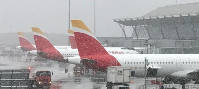 spain airport snow