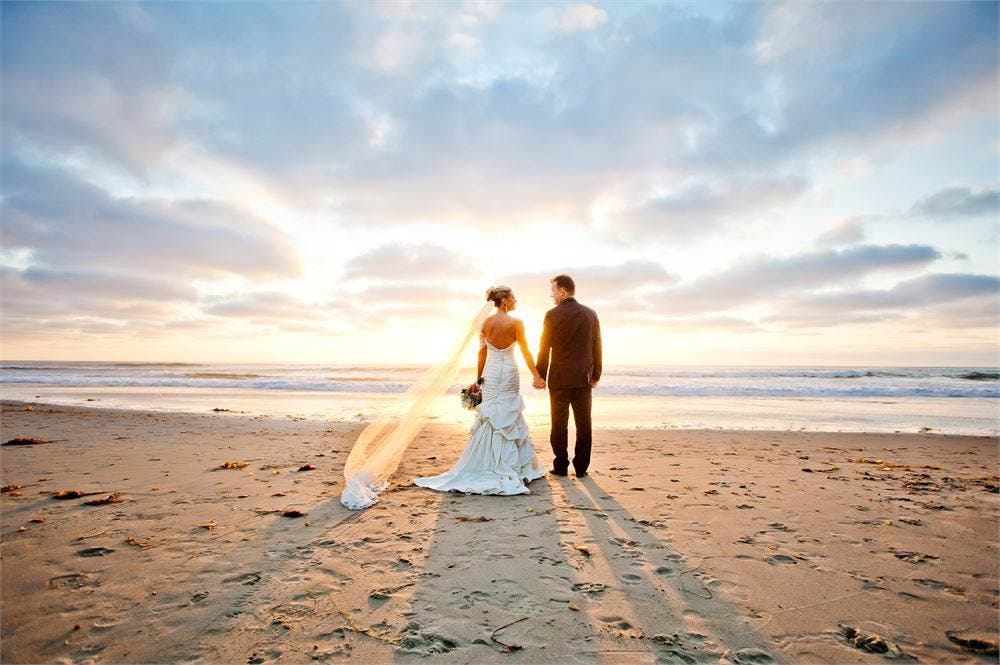 Styling Tips For Embracing A Beach Wedding Theme: EXCLUSIVE: British Bride And Groom To Be In Spain Lose