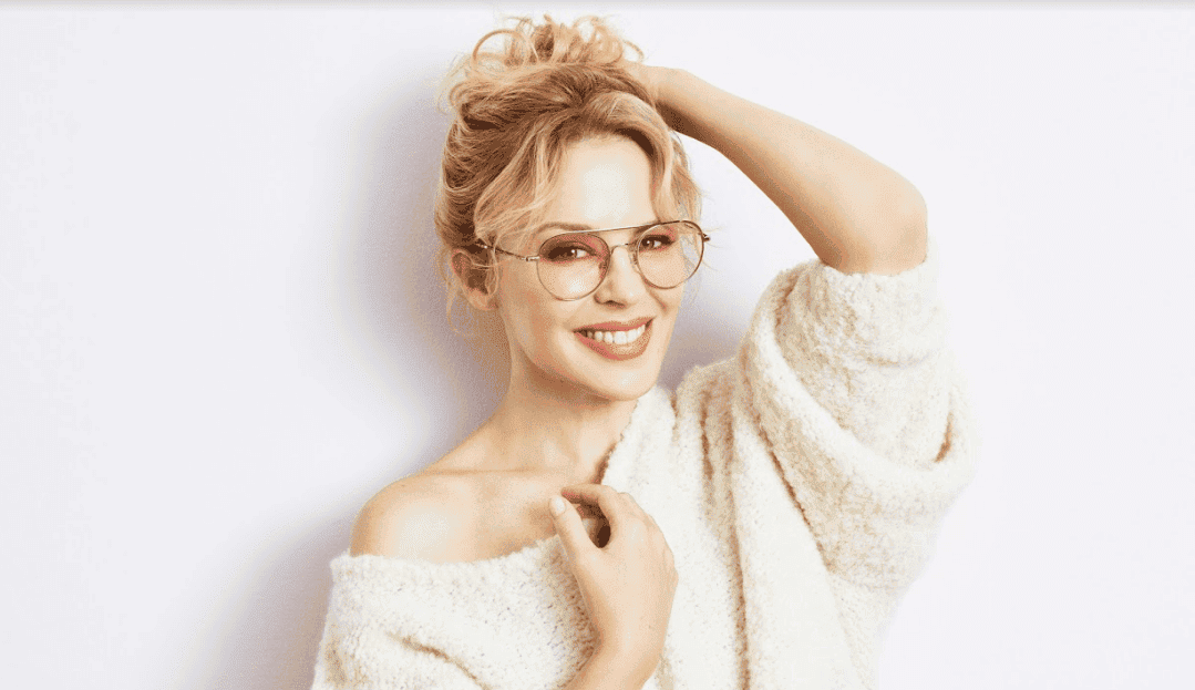 98ab7210fcb TO mark the launch of Kylie Minogue s new range of glasses at Specsavers  Opticas